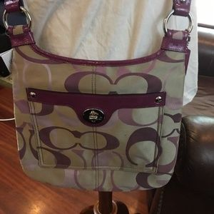 Coach Bags - Coach Signature Swing Pack Hand Bag Optic Purse